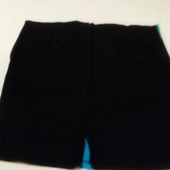 Dresses & Skirts - Cute little stretchy skirt never worn